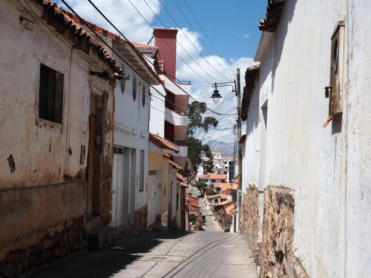 Une petite rue rencontrée en montant au mirador de Sucre