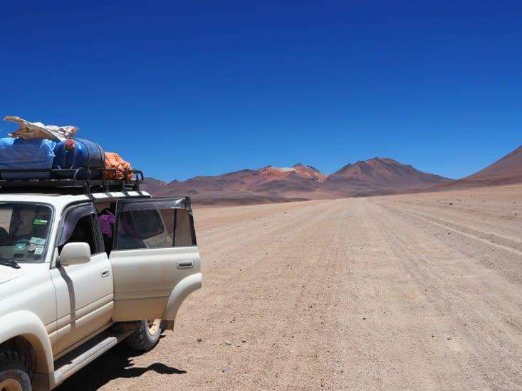 Notre 4x4 dans le désert de Dali