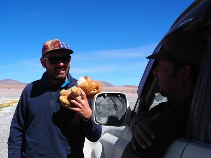 Notre chauffeur, Christian au volant de son 4x4