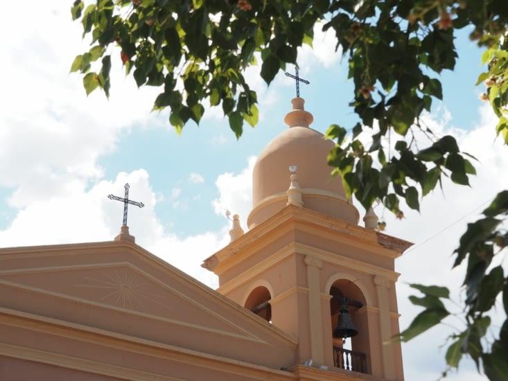 Le clocher de la cathédrale de Cafayate