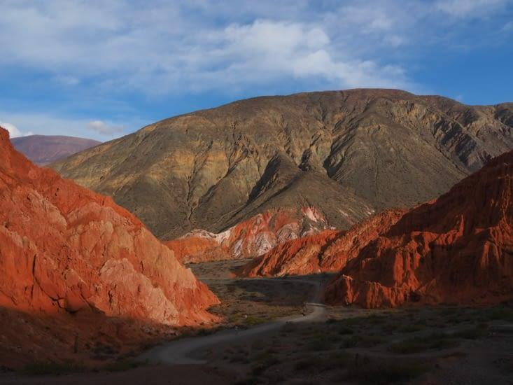 """La """"montagne aux 7 couleurs"""" de Pumamarca"""