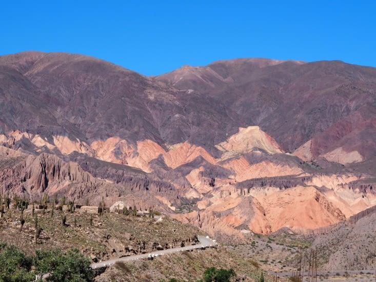 La Pucara à côté de Tilcara et ses monts colorés