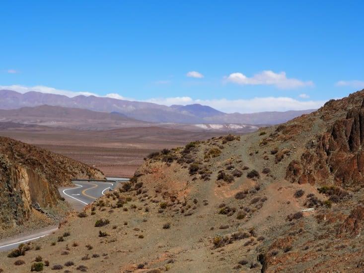 Les paysages désertiques traversé