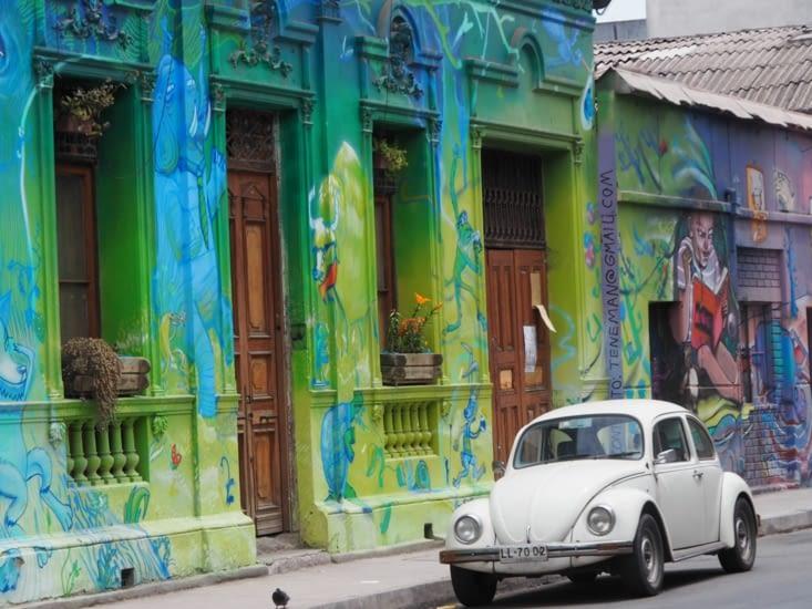 Folklore dans les rues de Santiago