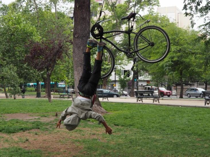 Herman, artiste de rue, croisé dans Santiago
