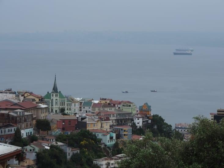 Valparaiso se jète dans l'océan pacifique