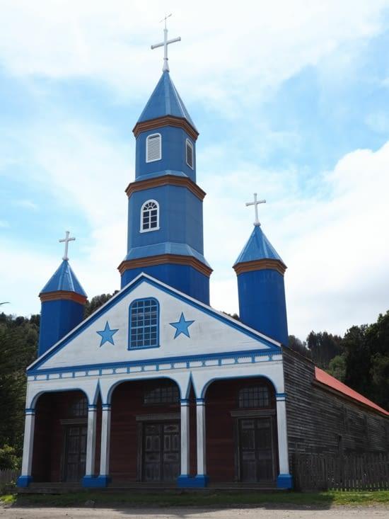 L'église bleue étoilée de Tenaùn