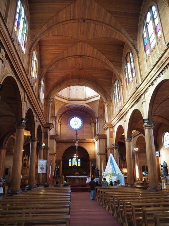 L'intérieur de l'église de Castro est entièrement en bois