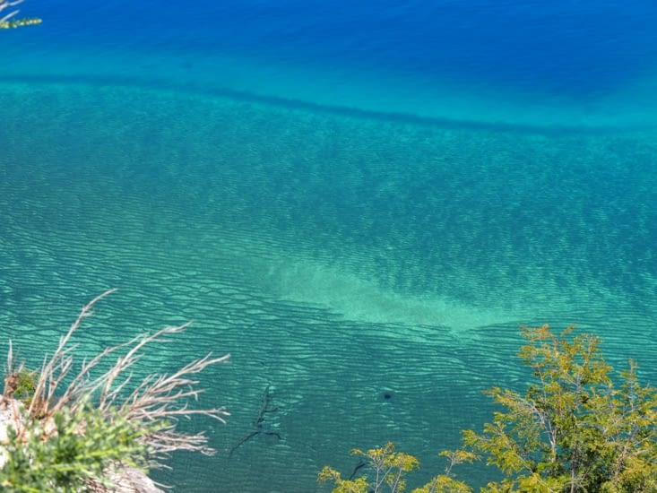 Les eaux claires du lac