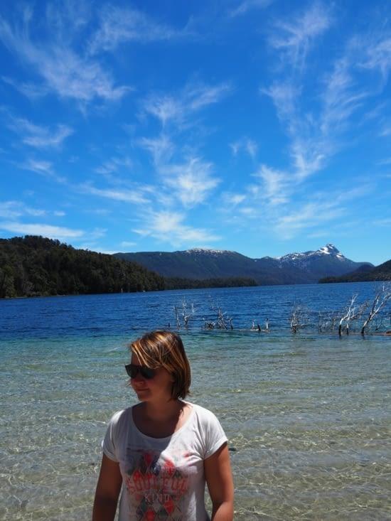 Petite pause sur les bords d'un lac