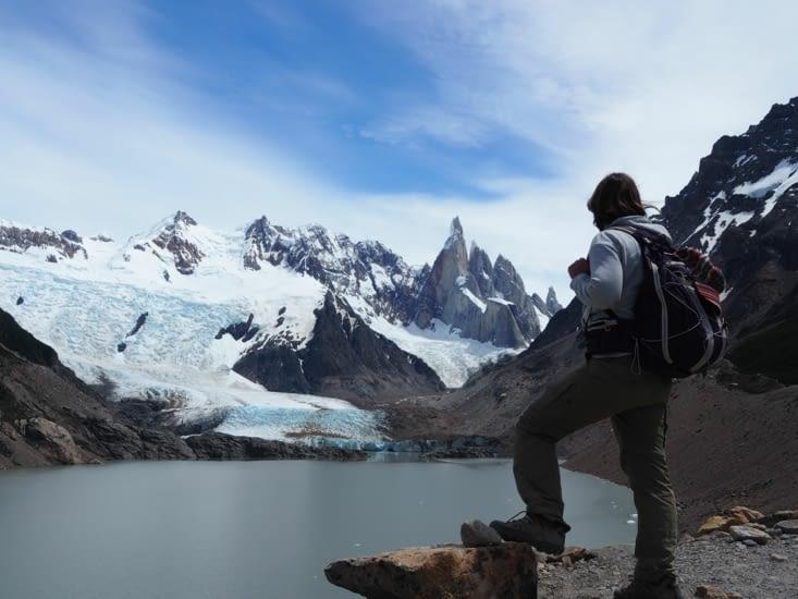Yoyo surplombe la glacier de la laguna Torre