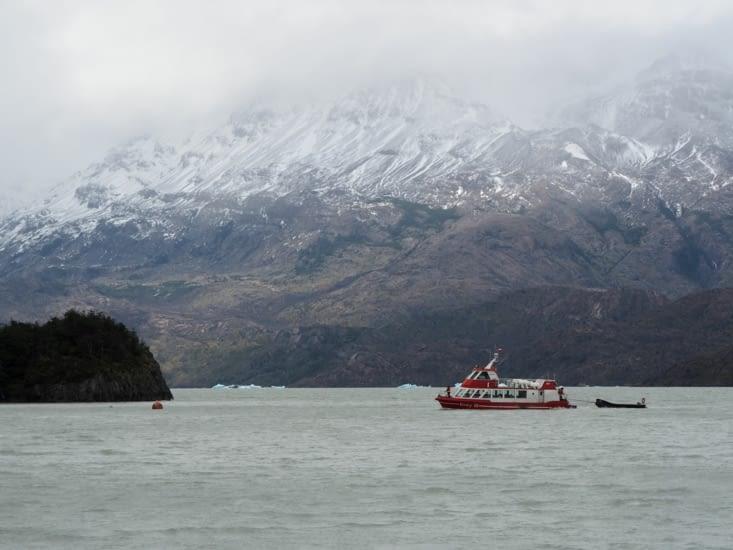 Un bateau permettant d'aller voir le glacier du Parc National Torres del Paine