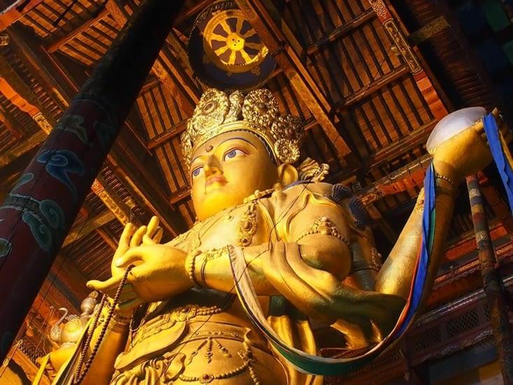 Grande statue de 26,5 m de haut