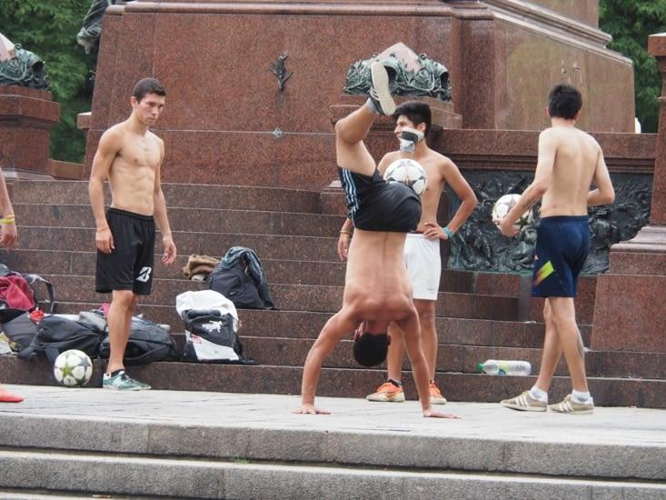 Des footballers de rue