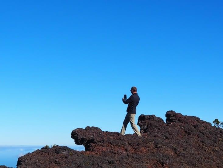 Patrick sur les crêtes du cratère Commerson