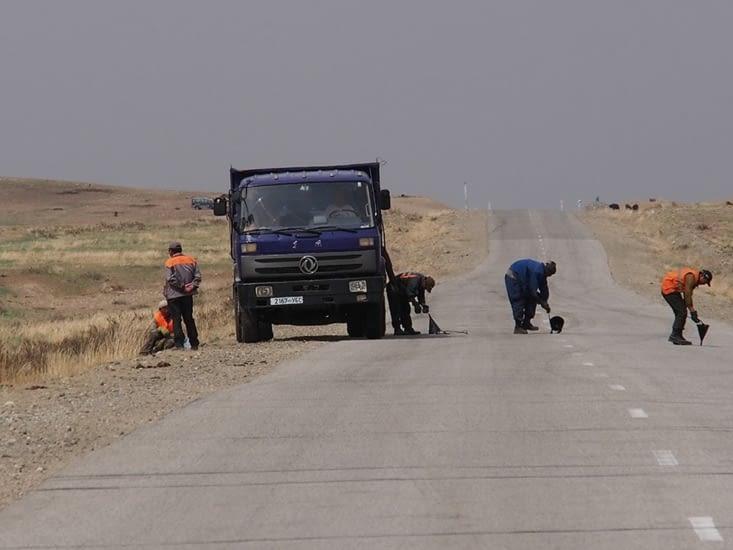 L'équipe chargée de réparer les routes (bon courage, y'a du boulot)