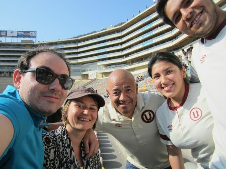 Dans le stade, avec nos amis, véritables fans de la U !