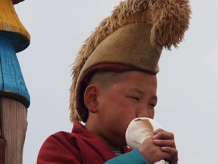 Jeune moine en apprentissage au monastère d'Erdene Zuu