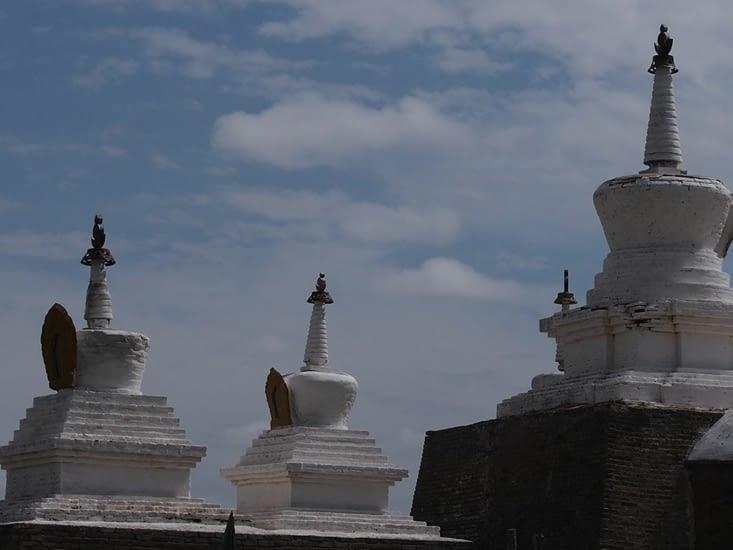 Stupas de l'enceinte du monastère