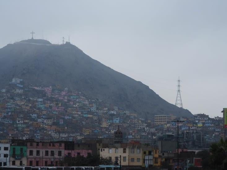 Les périphéries rocheuses de Lima, ses quartiers pauvres