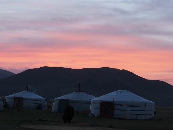 Premier couché de soleil sur le camp