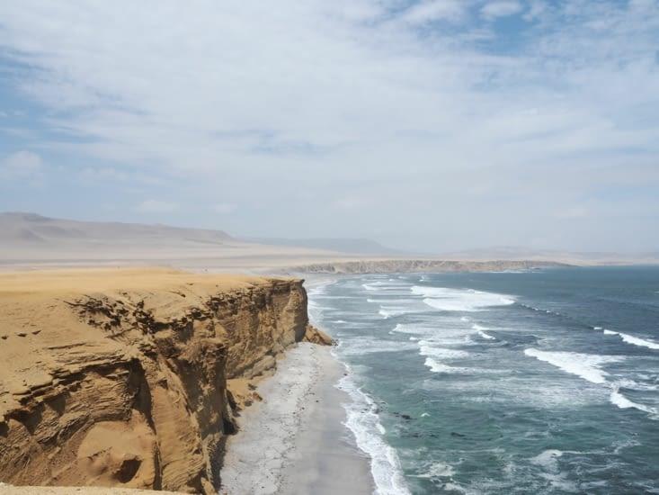 Les falaises de la réserve naturelle de Paracas