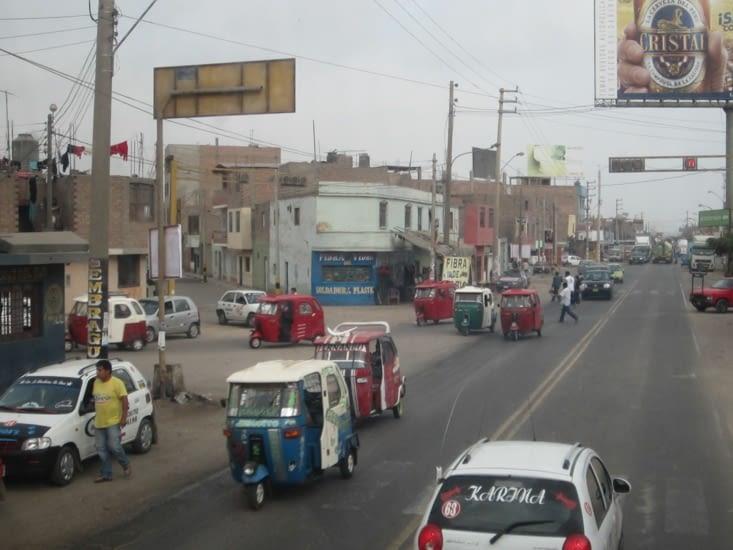Les routes péruviennes sont très fréquentées !