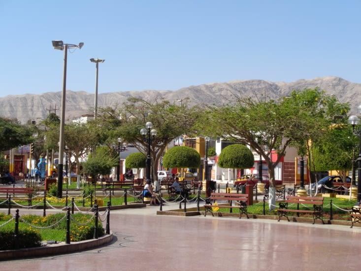 La plaza de Armas de Nazca