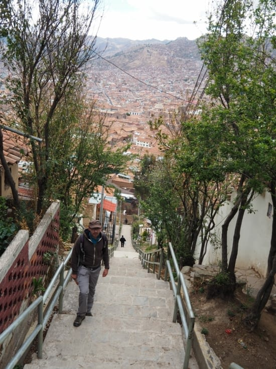 Lente ascension du quartier de San Blas à Cusco