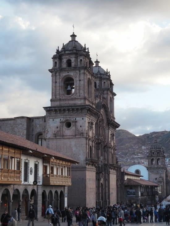 L'église de la Compania de Jesus présente sur la Plaza de Armas de Cusco