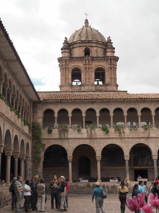 L'intérieur du monastère de Santo Domingo