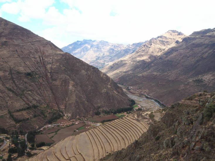 Vue sur la vallée et les terrasses de Pisac