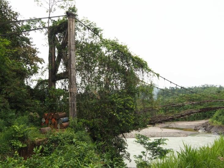 L'ancien pont menant au village d'Atalaya