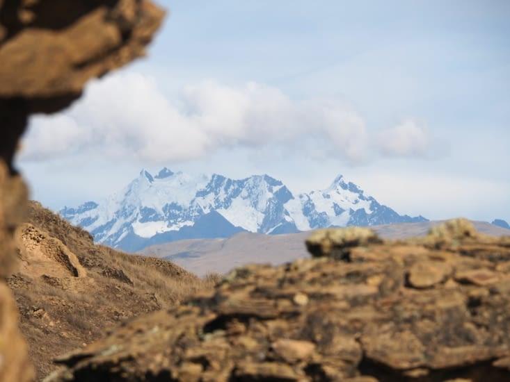 Vue sur les monts enneigés depuis les tours de Ninamarca