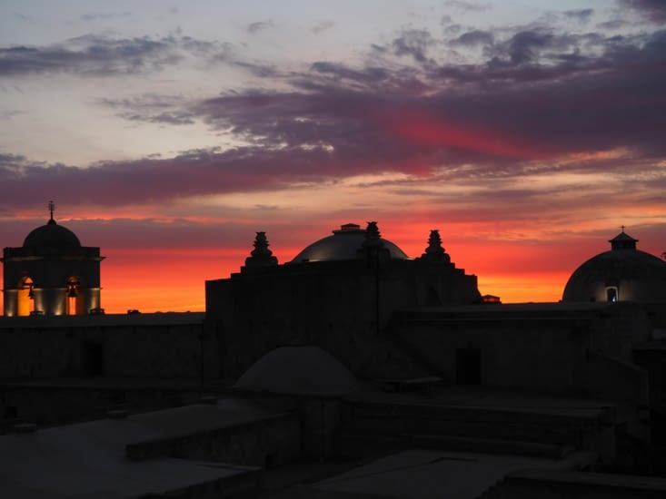 Coucher de soleil coloré  sur Arequipa