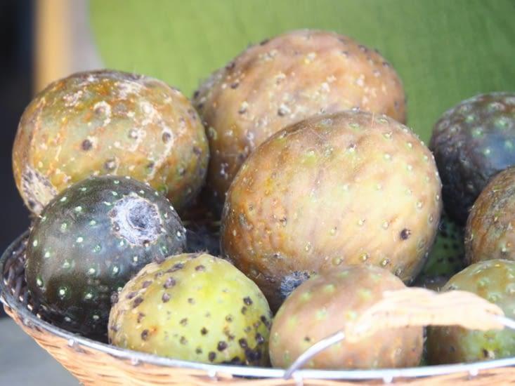 Des fruits, hyper acide, que nous avons gouté en chemin