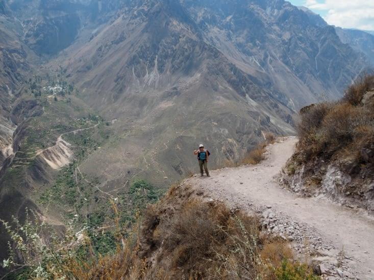 La marche le long de la descente du Canyon del Colca