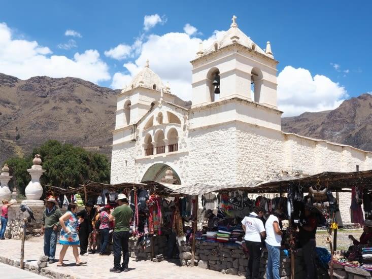 Un village touristique sur la route pour Chivay