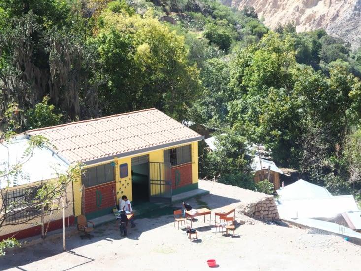 Une école au creux du Canyon Colca : seuls 2 élèves sont inscrits !