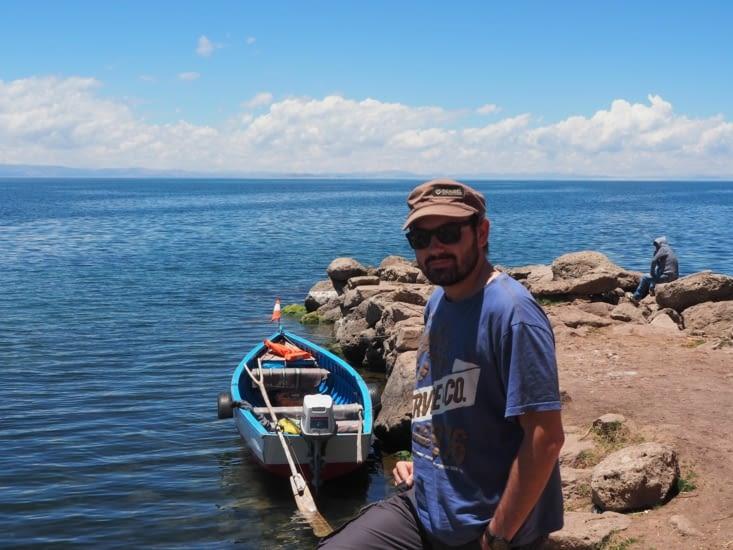 Ronron prêt à embarquer pour l'ile Amantani