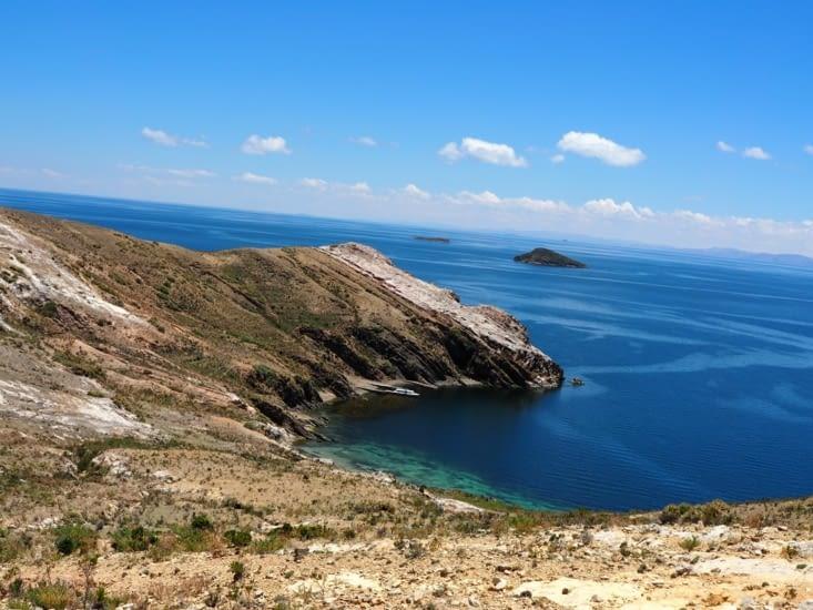 Criques turquoises sur l'Isla del Sol