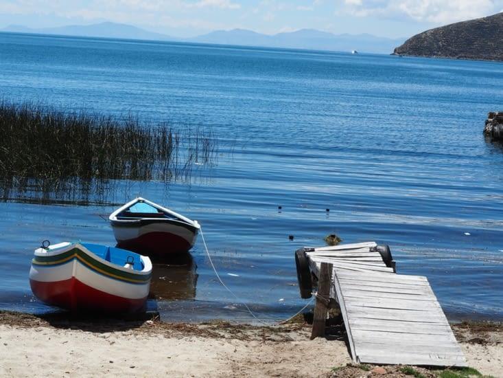Les plages et bateaux de l'Isla del Sol