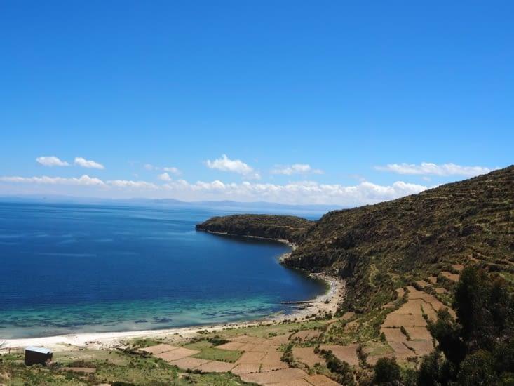 Les plages et les cultures en terrasse de l'Isla del Sol