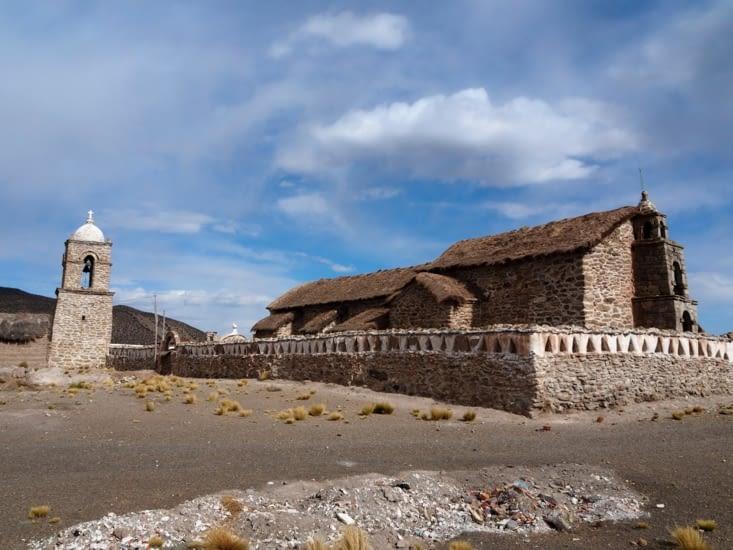 L'église de la ville de Sajama