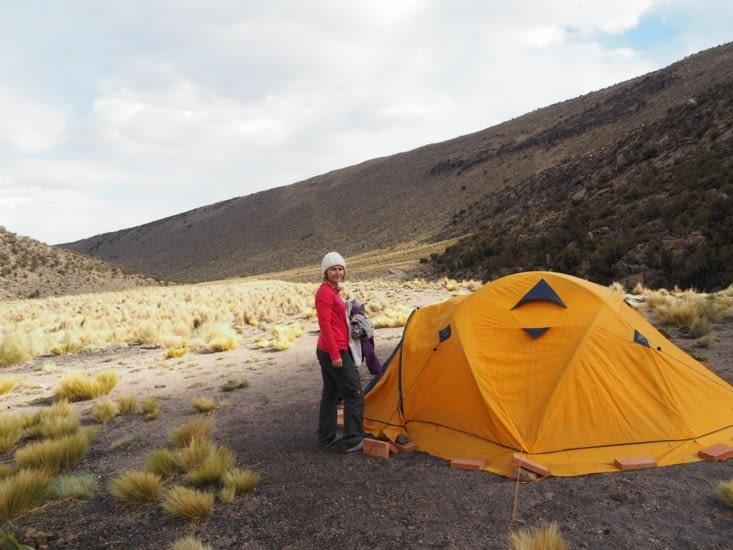 Notre tente au milieu du nul part, dans le parc de Sajama