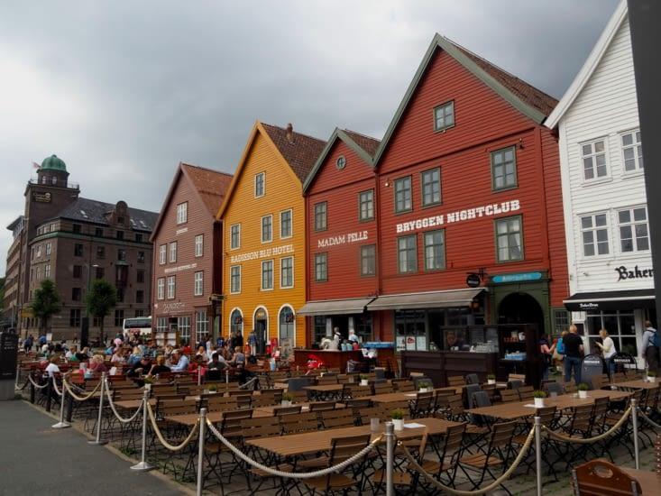 Sur le port, le quartier de Bryggen