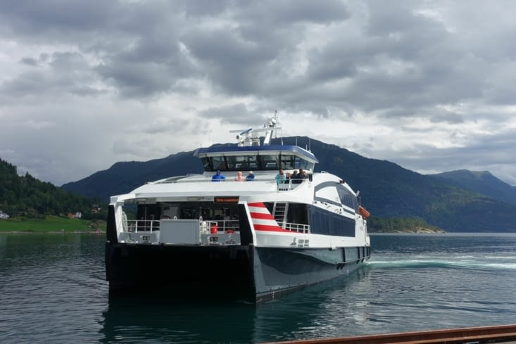 Le ferry : moyen de transport efficace au coeur des fjords