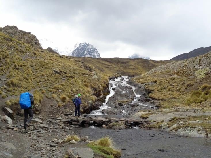 Début de l'ascension pour le guide et Ronron