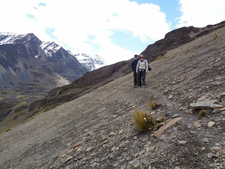 Marche périlleuse entre le Condoriri et Huayna Potosi