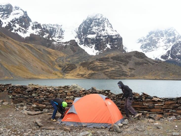 Notre tente au abords du refuge du Condoriri